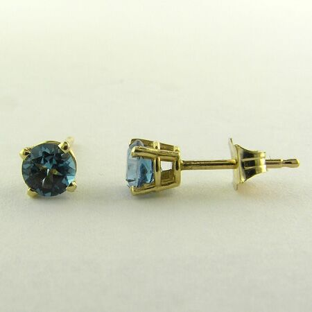 0.60cts Round Blue Topaz, 14K Yellow Gold Earring